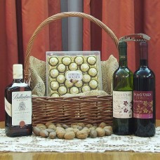 Valentine's Day Basket Deluxe - FOR HIM